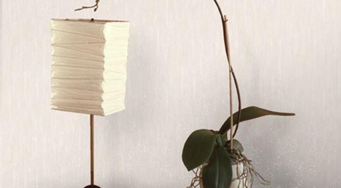Vymura Panache Plain Glitter Wallpaper – Moonstone Cream and Silver