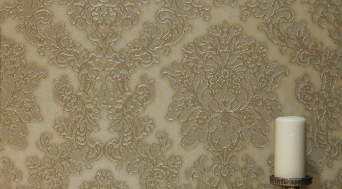 Arthouse Vicenza Damask Wallpaper – Gold