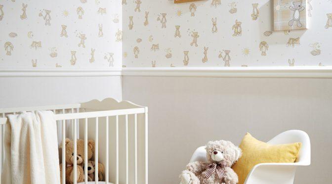 Arthouse Bear Hugs Teddy Bear Wallpaper – Neutral