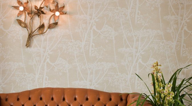 Cole & Son Cow Parsley Light Gold Wallpaper